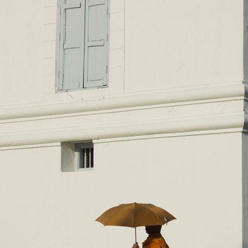 monk-temple-bangkok-thailand