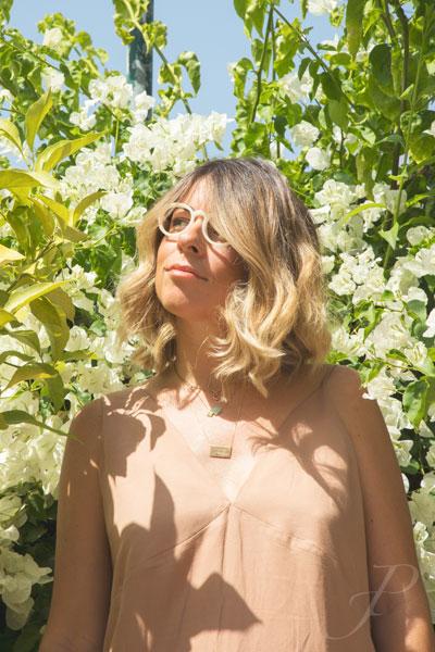 model-fashion-portugal-glasses-reading-spring-flower