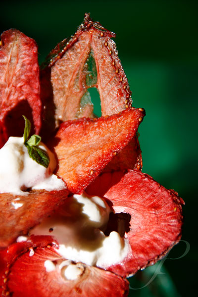 food-strawberries-france-gastronomy-tamarillos
