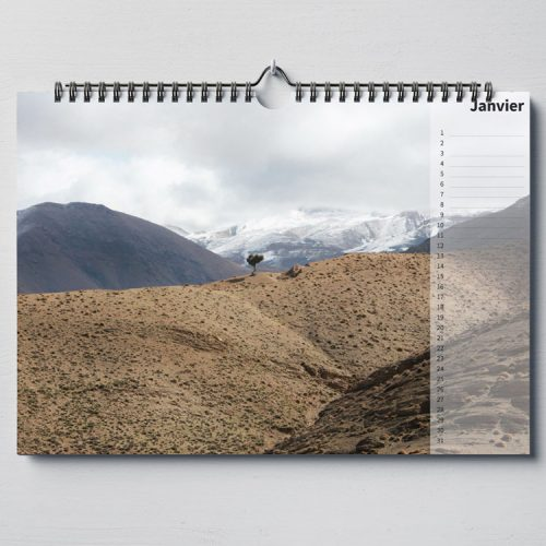 Calendar-beautiful-world-landscapes-mock-up