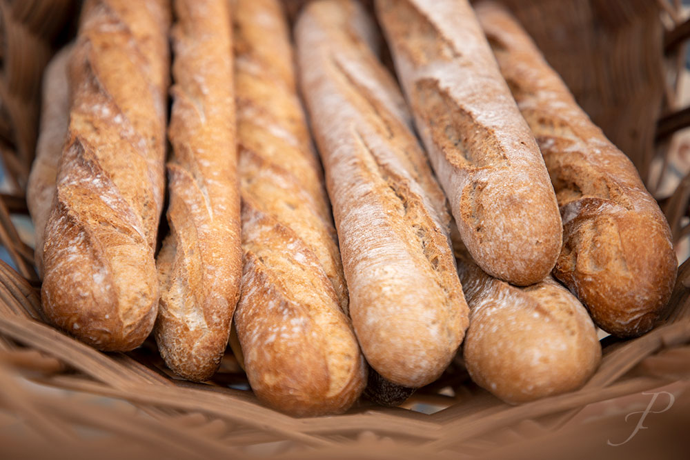 food-restaurant-lisbon-composition-french-baguette-bakery